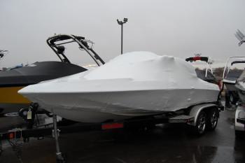 Malibu Response Ski & Wakeboarding Boat Import