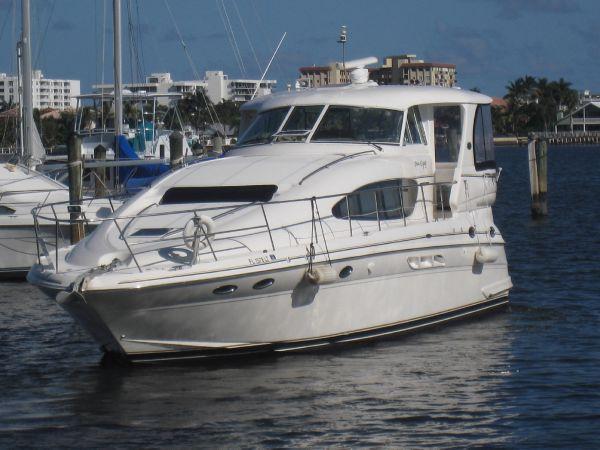 sea ray 480 front